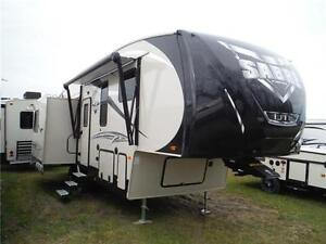 2016 Sabre Lite 28RL Luxury 5th Wheel Trailer - 3 slideouts