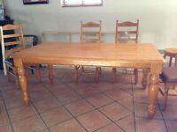 Grande Table en bois massive 38 x 72 Large table with 6 chairs