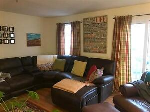 Great 2 Bedroom Condo for First Time Buyer or Renter!