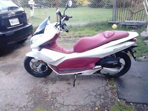 Brand New 2013 Honda Pcx 150 Scooter For Sale $2,500.00 FIRM