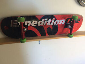 Complete pro skateboard w/new trucks Strathcona County Edmonton Area image 1