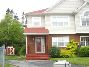 11-011 Lovely Family Home in quiet cul de sac!
