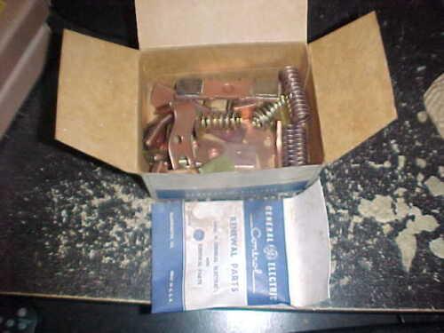NOS GE CR101X113 Contact Kit Set