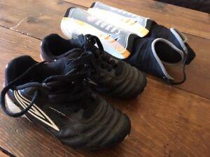 Souliers de soccer et protège-tibias enfant
