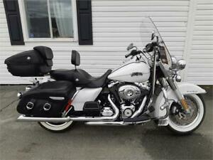 2013 Harley Davidson Road King Classic MUST SEE! It's VERY SHARP