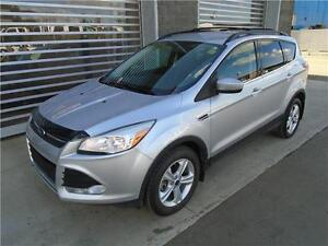 ** 2013 ** FORD ** ESCAPE ** SE ** AWD ** LOW KMS **