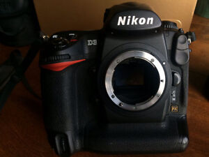 Nikon D3 DSLR  full frame with lens and  extras