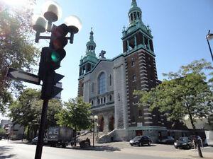 Marché aux puces église St-Zotique - Souliers neufs à 30 $ !
