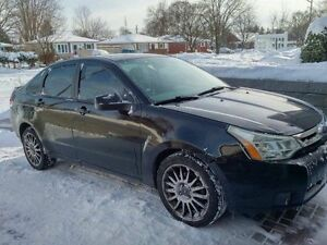 2009 Ford Focus SES Sedan, Well Maintained. With Winter Tires