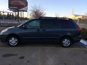 2006 Toyota Sienna CE v6 3.3L 7PASS- CLEAN CAR PROOF