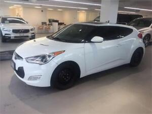 2012 Hyundai Veloster Tech Package, 6 Speed, Panoramic Sunroof!!