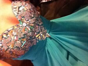 Prom Dress Size 4 For Sale Cornwall Ontario image 2