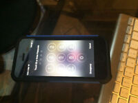 Bell iPhone 5s mint Locked to bell mobility case included Watch