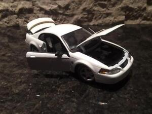 Maisto 1999 Ford Mustang GT 35th Anniversary 1/18 die-cast model