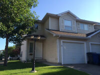 3 bedroom townhouse with attached garage in University Heights