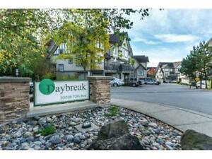 Great-Priced 3-Storey 1,500+ SQ/FT End-Unit - Brent Roberts
