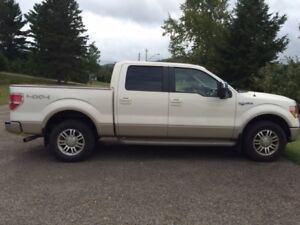 2009 Ford E-150 King Ranch Pickup Truck