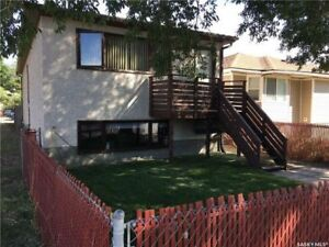 LOWER 3 BEDROOM DUPLEX WITH CENTRAL AIR