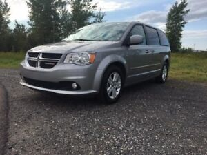 Dodge Grand Caravan Crew Plus Dvd - écran De Bord 2017
