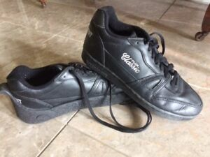 Mens Nearly-New, Quality Titliest Curling Shoes- SAVE !!!!