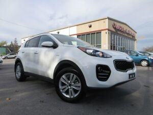 2018 Kia Sportage AWD, HTD. SEATS, BT, CAMERA, 17K!