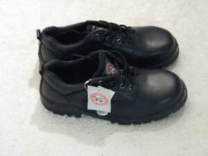 New men's safety shoes - Moosehead size 12