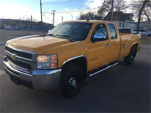 2007 Chevy Silverado 2500HD 4x4 = 187K = EXT CAB LONG BOX Edmonton Edmonton Area image 7