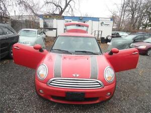 2009 MINI Cooper , 6 speed , Fully Loaded, Clean  $4850 E-Tested