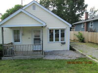 Oct. 1st Cozy 2 bedroom house for rent