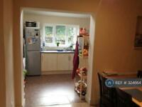 4 bedroom house in St. Mary's Road, London, E10 (4 bed)