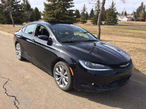 2016 Chrysler 200-S AWD - V6, Nav, Bluetooth, Backup Camera etc.