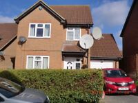 Fully Furnished 4 Bedroom Detached property in excellent condition (Price reduced for a quick let)