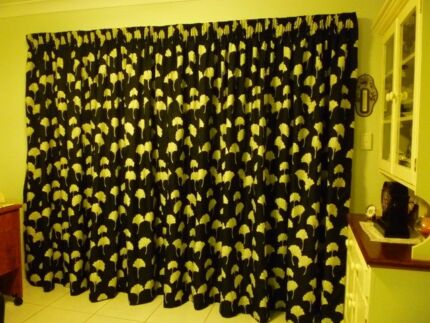 PENCIL PLEAT CURTAIN FULLY LINED