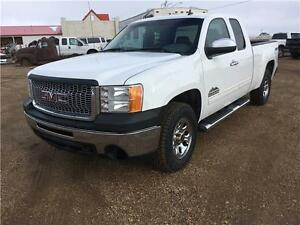 11 GMC 1500 SLE Very clean New Tires We finance Warranty!!!