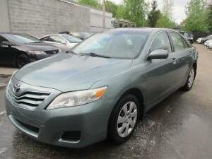 2010 Toyota Camry LE ( 4 CYLINDRES - PROPRE )