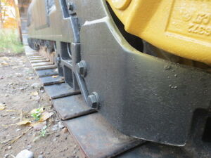 REALLY NICE CAT CRAWLER *GREAT DEAL* London Ontario image 4