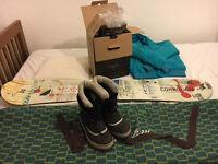Snowboard 143cm's Rome Detail + boardbag +Nikita Blue down jacket+Caribou Sorrel Boots