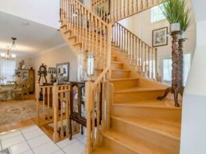 A Must To See! Lovely Freehold End Unit Town Home