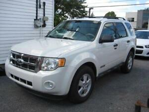2010 FORD ESCAPE XLT 4X4, 93000 KM.