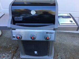 NEW NEVER USED WEBER SPIRIT NATURAL GAS BBQ