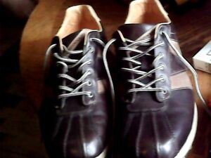 Mens size 11 - Perry Ellis America (next to new)