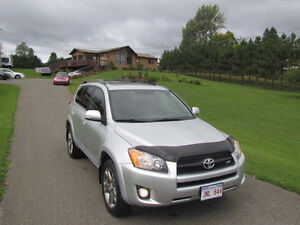 2009 Toyota RAV4 Sport: SUNROOF! 4WD! EXTRA TIRES! NO ACCIDENTS!