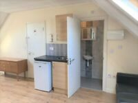 SELF-CONTAINED BIG STUDIO TO RENT, NW10 0JU, UNCAPPED CLIENTS ONLY!