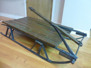 ANTIQUE RUSTIC STYLE FARM SLED SLEIGH COFFEE TABLE