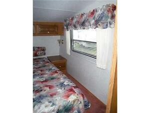 1999 Golden Falcon 28RLG 5th Wheel Trailer with Slideout Stratford Kitchener Area image 14