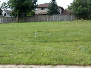 Building Lot for Sale - 5 Bobolink Dr. FULLY SERVICED