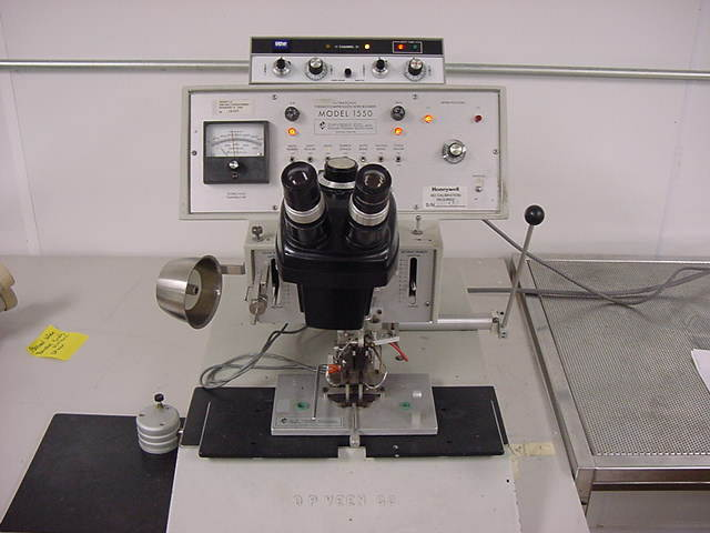 Dpveen Model 1550 Ultrasonic Thermocompression Manual Wire Bonder System