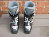 Boy' s ski boots