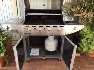 Barbeque 4+1 burners deluxe Kardinya Melville Area Preview