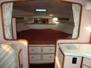 34'  Sea Ray Sundancer 1988 Windsor Region Ontario image 8